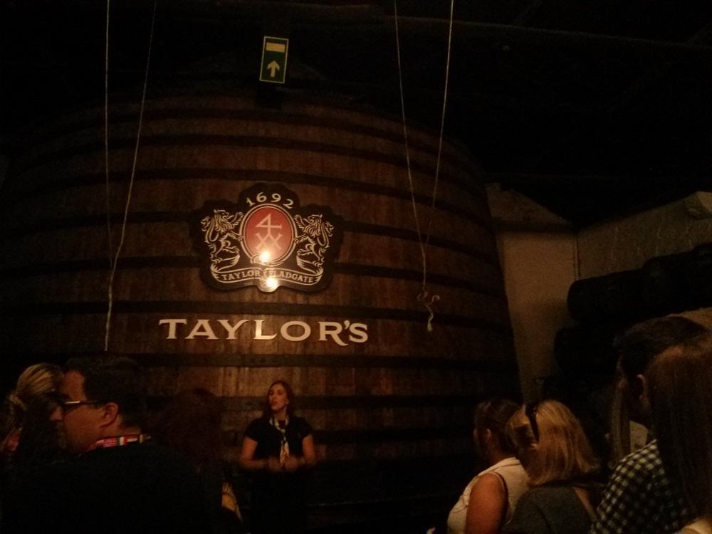 Conference Dinner: Führung durch den Portwein-Keller von Taylor's.